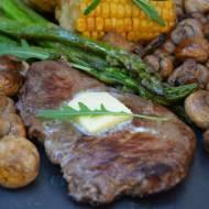Steki wołowe z warzywami