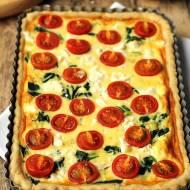 Tarta z pomidorami, szpinakiem i fetą…