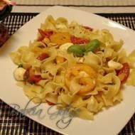 Makaron z Pomidorkami Koktajlowymi i Mozzarellą