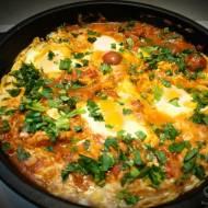 Szakszuka jajka w pomidorach