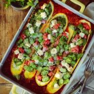 Cukinie nadziewane bobem, fetą i pomidorami