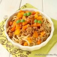 Spaghetti z mięsem i marchewką