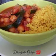 Ciecierzyca z Cukinią w Sosie Pomidorowym z Kaszą Bulgur