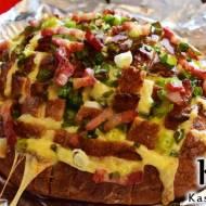 Chlebek z serem i boczkiem – pyszna przekąska