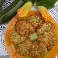 Cukiniowe placuszki z serem i kurczakiem