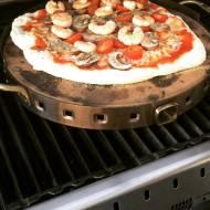 Grillowanie pizzy – podstawowy przepis na ciasto i metoda grillowania