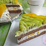 Torcik kakaowo- cynamonowy z owocami i śmietaną