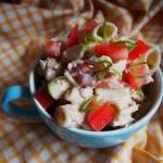 Letnia sałatka z tuńczykiem i makaronem