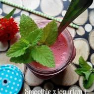 Smoothie z jogurtem i owocami