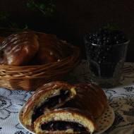 Jagodzianki z ciasta drożdżowo-serowego