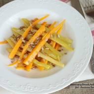 sałatka z fasolki szparagowej i młodej marchewki