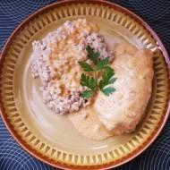 Rolady z karkówki w sosie paprykowym.
