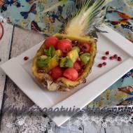 Sałatka owocowa w ananasie