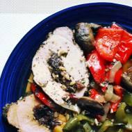 Schab pieczony z owocami i warzywami / Pork baked with fruit and vegetables