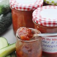 Ogórki w sosie pomidorowym na zimę