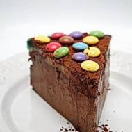 Sernik mocno czekoladowy z lentilkami i budyniem
