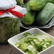 Sałatka z ogórków i cebuli do słoików