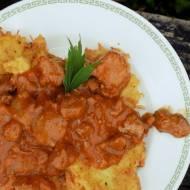 Placki ziemniaczane z gulaszem - szybkie gotowanie #1