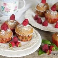 muffiny z malinami i czekoladą
