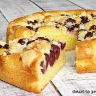 Łatwe ciasto z czereśniami pod kruszonką