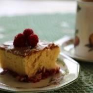 Przepyszne ciasto z ajerkoniakiem ( advocatem )  i malinami