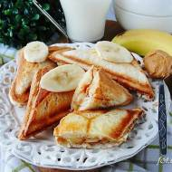 Tosty z masłem orzechowym i bananami