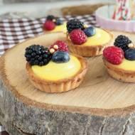 Tartaletki z kremem patissiere i owocami