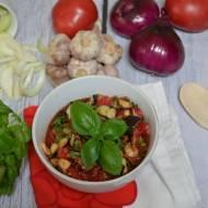 Bakłażany w sosie pomidorowo-czosnkowym