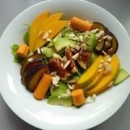 Sałatka z awokado,figą, śliwką i mango
