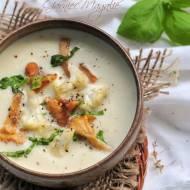 Kremowa zupa z kalafiora z kurkami