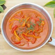 Karkówka w sosie paprykowo – pomidorowym