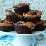 Muffinko-serniko-brownie z jeżynami (lub innymi owocami)