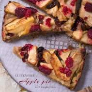 Bezglutenowe ciasto z jabłkami (apple pie) i malinami