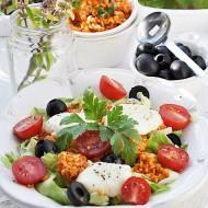 Sałatka z bulgur i serem mozzarella. Bulgur salad & Mozzarella