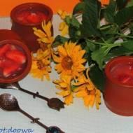 Galaretka arbuzowa z truskawkami