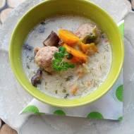Grzybowa zupa z pulpecikami