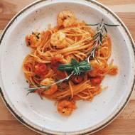 Spaghetti z krewetkami i pomidorami