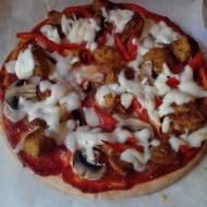 Błyskawiczne piątki - Bezglutenowa pizza z kurczakiem