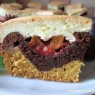 Dwukolorowe ciasto ze śliwkami