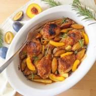Pieczone pałki kurczaka z owocami w salsie miodowo-musztardowej (Fusi di pollo al forno con salsa al miele, senape e frutta)