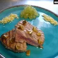 Świeży tuńczyk z grilla
