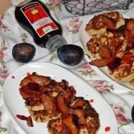 Bezglutenowe racuszki z karmelizowanymi śliwkami