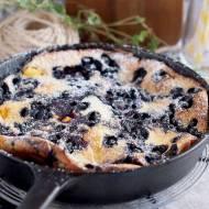 Omlet z piekarnika z jagodami i brzoskwiniami / Blueberry peach oven pancake