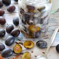 Śliwki w syropie albo słodki kompot śliwkowy