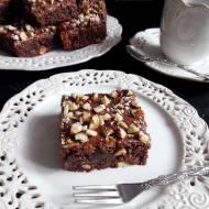 Ciasto Czekoladowe z Orzechami Laskowymi (Brownies z Orzechami Laskowymi)