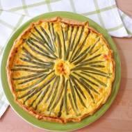 Quiche z fasolką szparagową w sosie śmietanowo-szafranowym (Quiche con fagiolini in salsa allo zafferano e panna)