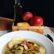 zupa z fasolką szparagową, jabłkami i gruszkami