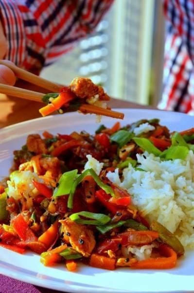 Przepis Na Chinskie Z Kurczakiem Papryka Marchewka I Fasolka