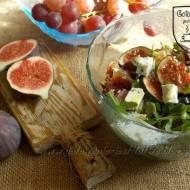 Sałatka owocowa z serem pleśniowym