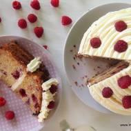 Ciasto cukiniowe z malinami i kremem cytrynowym